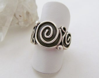 Sterling Silver Ring, Silver Band Ring, Spiral Ring, Vintage Silver Jewelry, Statement Ring, Unique Jewelry, Ring Size 6, Rings for Women