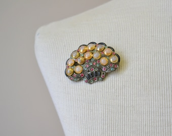 1920s New England Glass Works Brooch