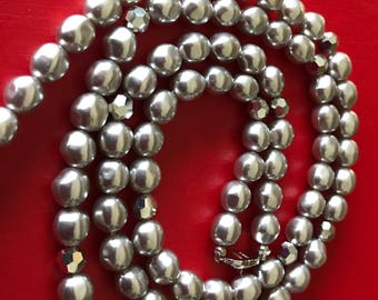 Monet Glitter and Gloss Faceted Glass Bead and Gray Glossy Faux Pearls