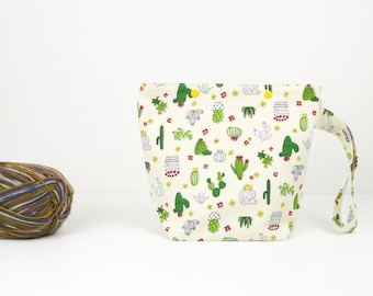 Small cactus knitting bag, zipperless crochet project bag, yarn craft organiser
