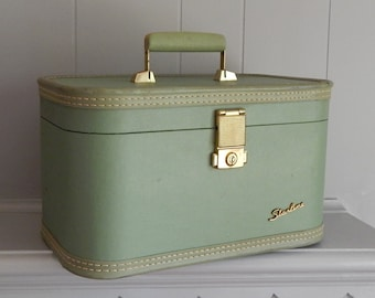 Mid Century Starline Green Train Case with Tray and Mirror / Cosmetic Suitcase
