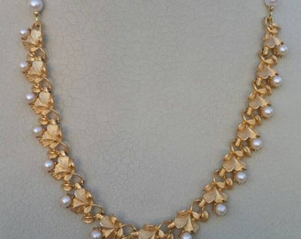 Vintage repurposed necklace, Gold and Pearls, Classic, Wedding