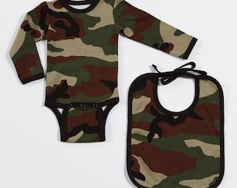 Camouflage baby grow & bib set. Newborn baby shower gift. Camo army print onesie. Alternative or military style bodysuit. New baby gift.