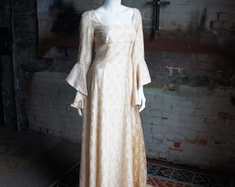 PRE-RAPHAELITE BRIDE Vintage 1970's Romantic Ivory Floral Lace Wedding Gown with Flounce Sleeves & Train, by Marquessa, Size 8