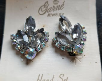 Vintage clip on rhinestone earings