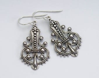 Antiqued Silver Earrings, Antiqued Brass Nickel Free Earrings, Brass Filigree Jewelry, Victorian Earrings, Dangle Earrings Drop, Tiffany