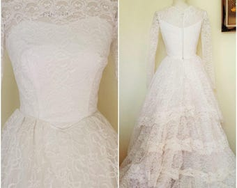 Vintage 1950s Wedding Gown / Grace Kelly Style Wedding Dress / 50s White Lace Weddinggown /  1950s Bridal Gown / Vintage Bride / 1950s Bride