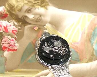 Sonnenuntergang Schaltfläche Lesezeichen, viktorianischen Szene, schwarzes Glas auf Silber. Einzigartiges Geschenk, Geschenk, Strumpf Stuffer.