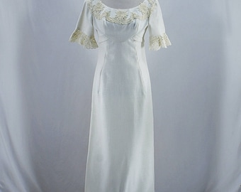 Vintage 60s 70s Bohemian floral lace maxi wedding dress // Size XS
