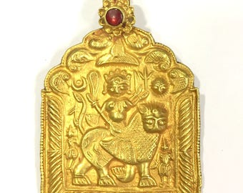 Vintage antique Solid 20k Gold jewelry Goddess Durga Pendant Amulet Necklace