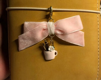 Bow pencil cup charm
