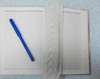 Knitted book-mark for a book, school book-mark, office book-mark Вязанная закладка для книги,школьная закладка,офисная закладка