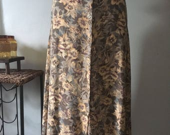 Fall Flavored Vintage Floral Button Down Full Length Skirt ~ Large