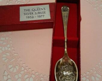 Free Shipping Queen Elizabeth's Silver Jubilee Commemorative Silver Spoon