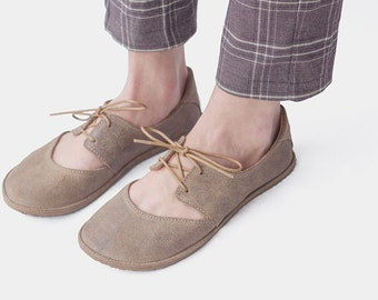 Derby-style flats in oiled Sand suede- Handmade suede ballet flats - CUSTOM FIT