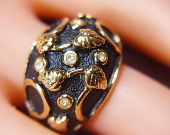 Vintage Black and Gold Dome Ring -- Size 5.75 - R-487