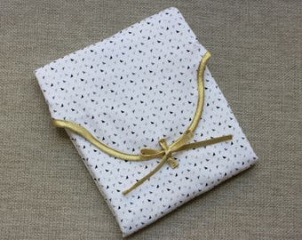 Towel - triangles pattern