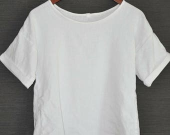The Linen Boxy T-shirt - Linen Blouse - Made to Order Ethical Clothing - Minimalist fashion - Conscious Fashion - Relaxed fit - Slow Fashion