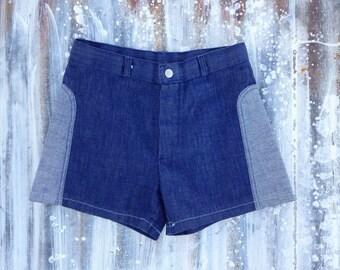 Vintage 70's Denim Two Tone Shorty Shorts / Mid Rise Jean Daisy Dukes / Women 24