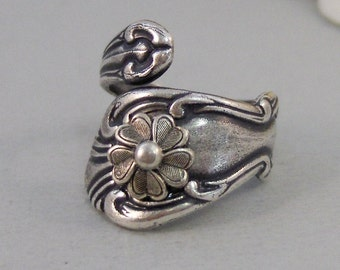 Sweet Bella,Ring,Silver,Flower Ring,Antique Ring,Silver Ring,Spoon Ring,Daisy,Daisy Ring,Wedding,Bridesmaid. By valleygirldesigns.