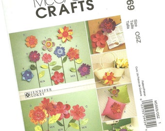 MCCALLS CRAFTS PATTERN m5869 faux flowers, wall designs, vased flowers, decor, new and uncut