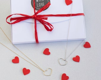 Heart necklace, Love necklace, Heart-shaped pendant, Valentine's necklace,  Valentine's gift, Necklace for women, Valentine's jewelry