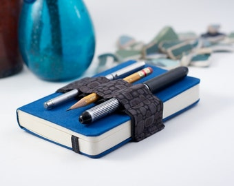 Mini Bandolier // grey pods // (a better pencil case, journal pen holder, book strap, pen loop, pencil roll, pen bandolier)