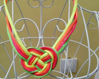 Celtic knot necklace with Fluor colors