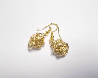 Pearl Earrings in gold copper wire