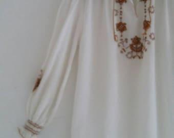 vintage peasant blouse