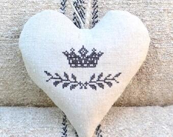 Antique Linen Heart Sachet - Crown