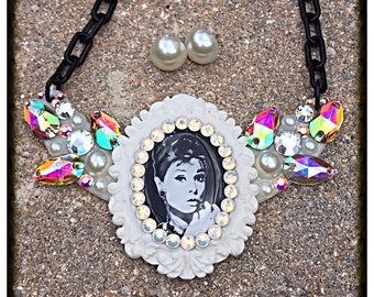 Audrey Hepburn Breakfast At Tiffanys Necklace and Earring Set