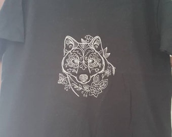 Grey wolf. Dire wolf. Black embroidered t shirt. Myth.magic. fantasy. Werewolf.