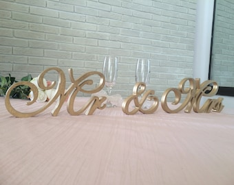 Bridal shower gift GOLD Mr. & Mrs. wedding table decoration, freestanding Mr and Mrs signs for sweetheart table