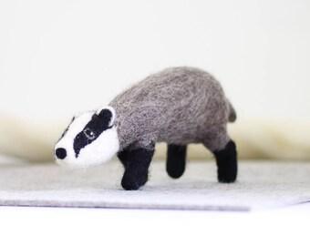 Badger Needle Felting Kit, Needle Felted Animal, Felting Kit, Needle Felted Badger, Felt Animals, Felting Wool, Needle Felting Kit, DIY Kit