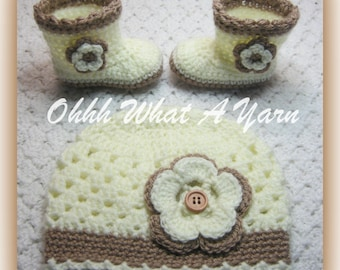 Crochet baby girls cream and beige cloche hat and matching boots with flower and button trims