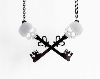Crossed skeleton key necklace