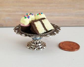 Miniature Cake Stand, Dollhouse Accessory, Dollhouse Cake Stand, Miniature Cupcake Stand, Dollhouse Miniatures, miniature accessory
