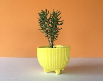 Vintage Yellow Ceramic Planter, McCoy Pottery, McCoy Planter, Yellow McCoy, Art Pottery, Flower Pot, Succulent Planter, Cactus Planter, Pot
