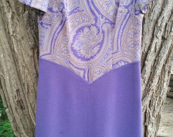 Ladies Vintage Poly Lavender and Paisley Mod Shift Dress