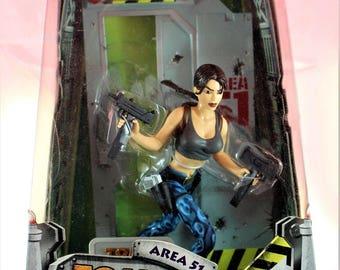 """Tomb Raider Lara Croft Area 51 Playmates 10"""" Figurine"""