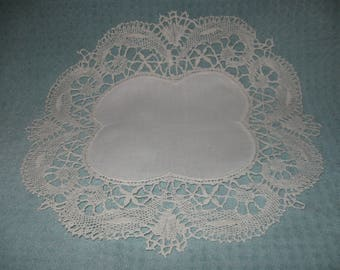 Gorgeous, Matching PAIR Large Antique Doilies! ( FREE SHIPPING!)