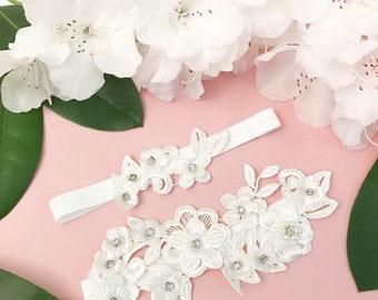 Floral bridal garter, white bridal garter, garter set,crystal bridal garter