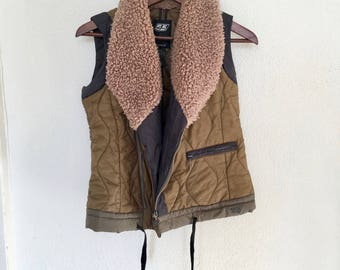 Fur collared liner vest size S | Faux fur collar green padded vest | Liner army green vest | 55DSL