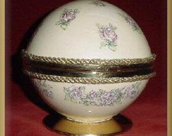 Ostrich Egg Powder Box