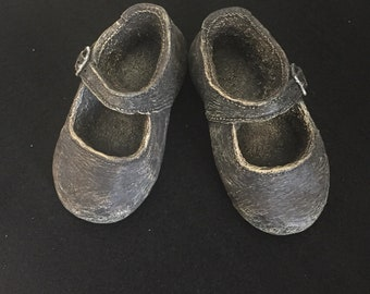Vintage Keypoint Clay Baby Shoe Sculpture