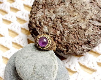 Small macrame ring Amethyst gemstone set in brass. Thick pattern cavandoli coffee brown hand size S, M. Simple Bohemian jewelry for women