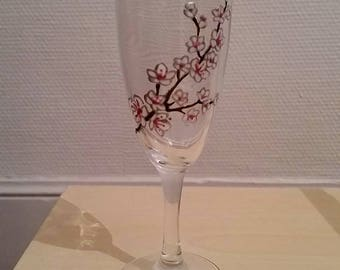 Painted champagne flute: the cherry blossoms