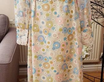 Vintage 1970s empire line floral folk boho maxi dress size small 8/10