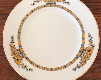 Vintage Set of 5 W.H. Grindley Co. Ltd Chelsea Ivory Glaslyn England Bread and Butter Plates
